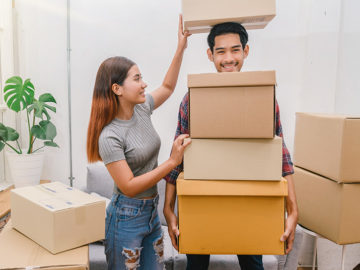 Buying Cardboard Boxes vs Renting Plastic Moving Boxes